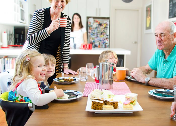 Chair and Alternatives to Make Your Child Sit at the Dining Table