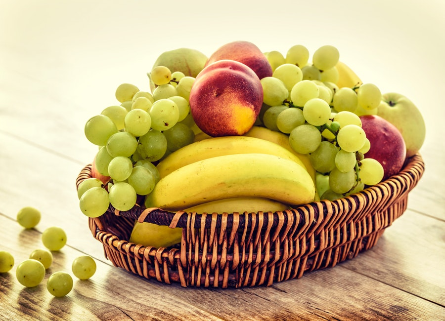 The Fruit Diet: Is it Healthy? Explanation + Schedule