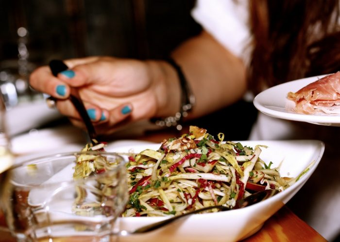 7 Simple Tips for Tricking Yourself Into Dieting