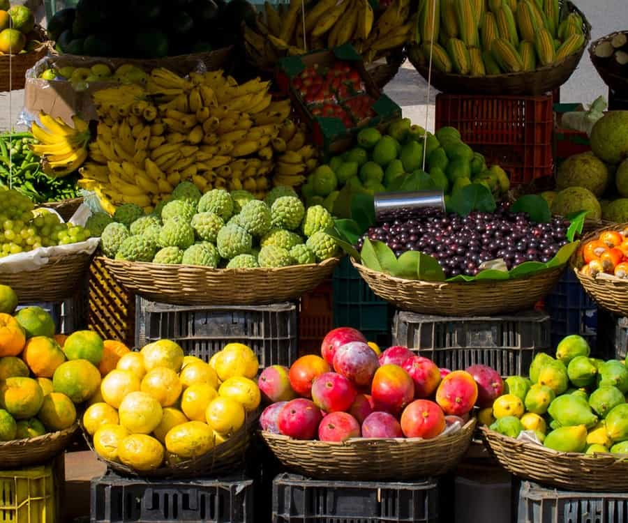 fresh-fruits-for-juices